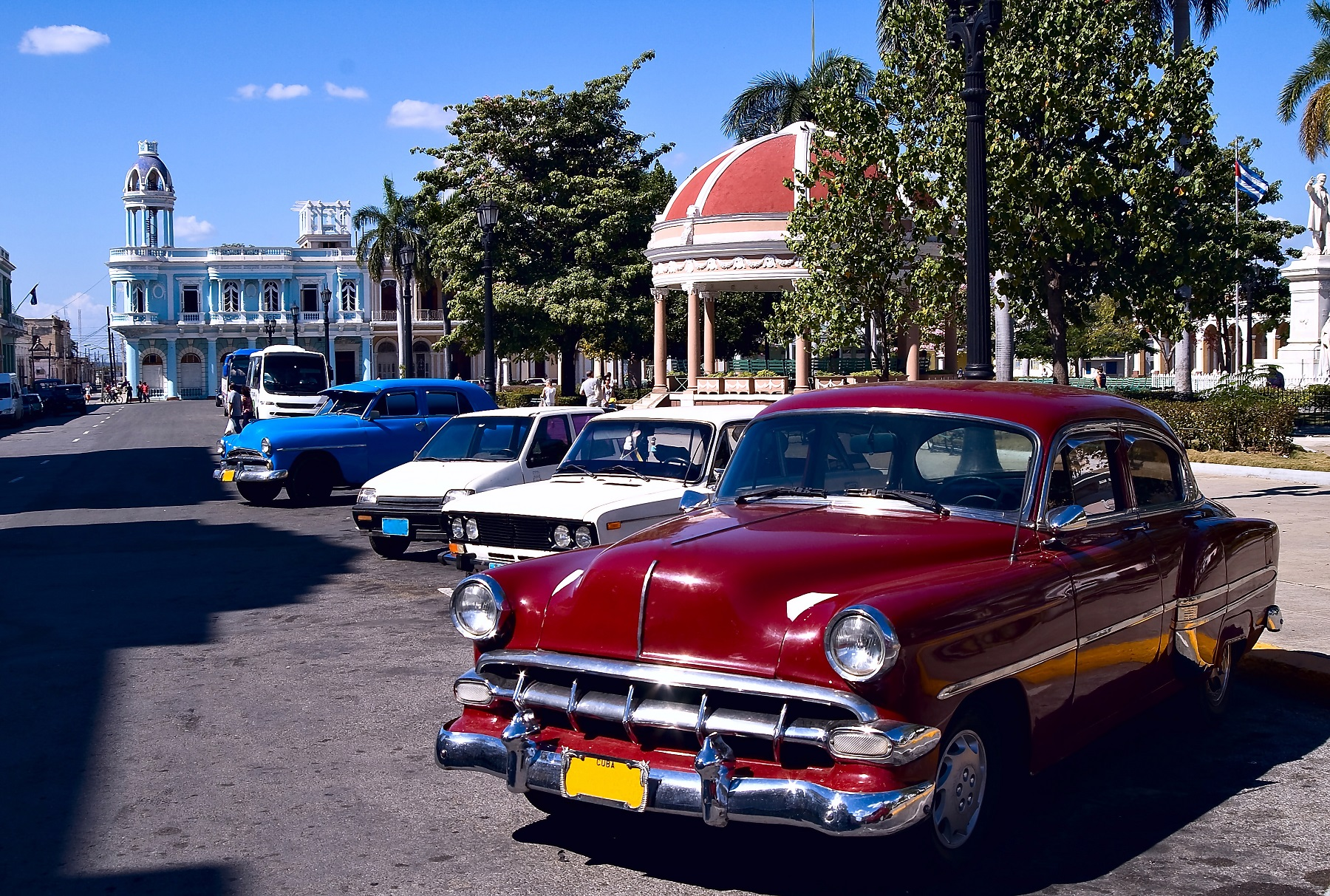 Trinidad-old-cars